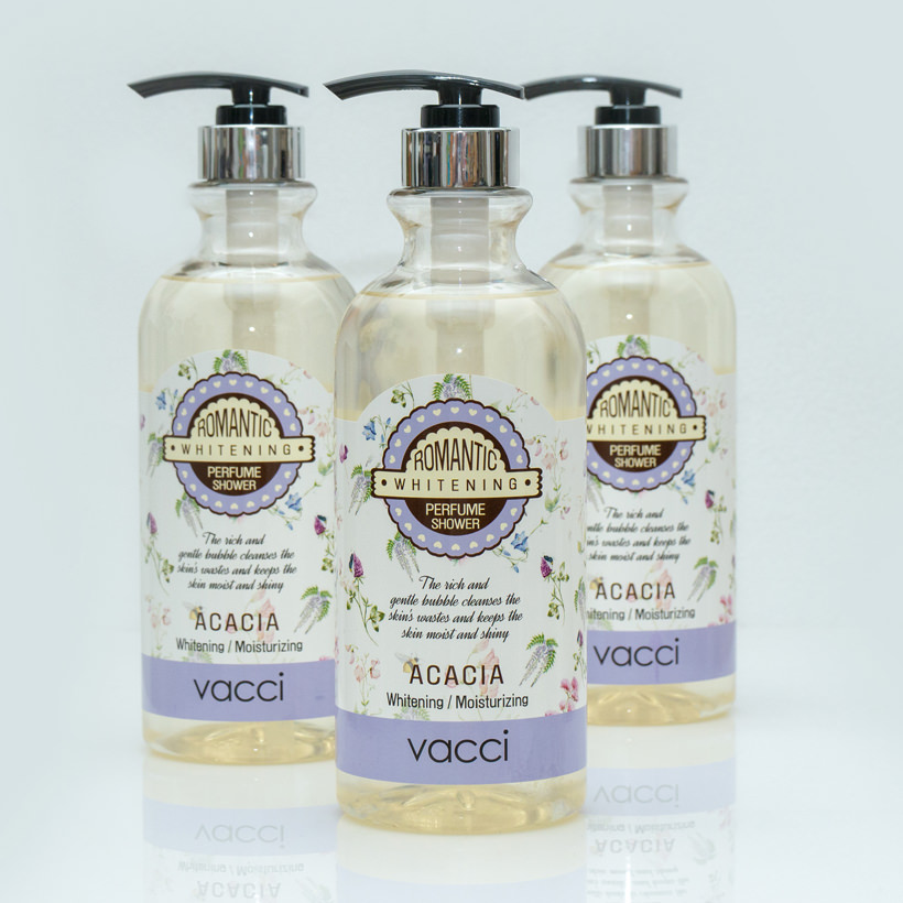 Gel tắm thơm dưỡng trắng da Vacci Whitening Perfume Shower